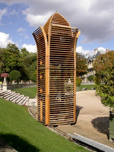Tour en bois au Jardin du Luxembourg